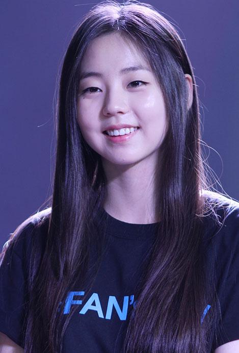 kpop beauty, kbeauty, kpop hairstyles, kpop idol, kpop, kpop idol hair styles, iu hairstyle, seolhyun hairstyle, irene hairstyle, sunny hairstyle, jessica hairstyle, hani hairstyle, dahyun hairstyle, yoona hairstyle, sohee hairstyle, krystal hairstyle,