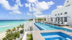 Wealthy Americans are flocking to this Caribbean nation to buy luxury real estate