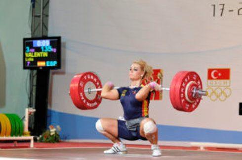 23.9.2010, F 75 kg A-group 17.09 -26.09.2010 World Weightlifting Championships / Olympic Qualification Antalya - TUR Copyright © 2010 Mr Kari Kinnunen kkinnu@gmail.com / skype: kkinnu / facebook: Kari Kinnnunen TEL / SMS: +358 400 979 765 Sibeliuksenkatu 23 B 20 FI-13100 Hämeenlinna FINLAND 23.09.2010, Women 75 kg, Group A. 17.09 -26.09.2010 World Weightlifting Championships / Olympic Qualification Antalya - TUR © Kari Kinnunen 2010