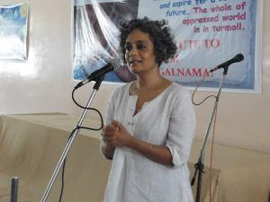 Arundhati Roy pays tribute to Satnam in Patiala