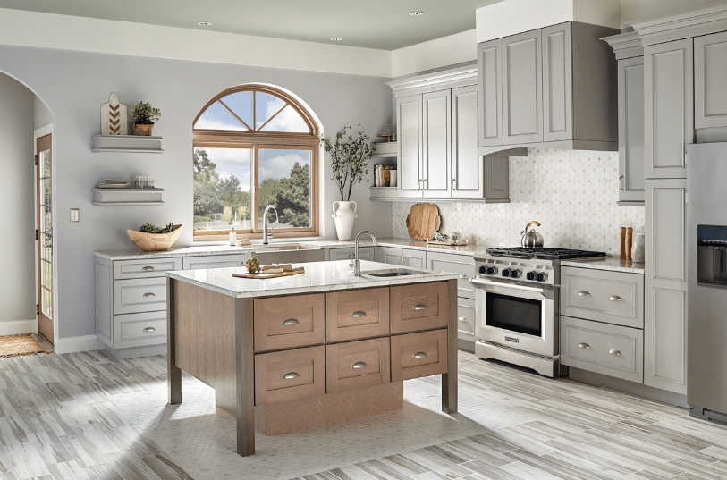 Whether you're replacing those that are already in your kitchen or you're restyling the kitchen totally, you need to consider a style that will look great and function well for a long time. How To Choose The Right Window Style For Your Kitchen Kraftmaid