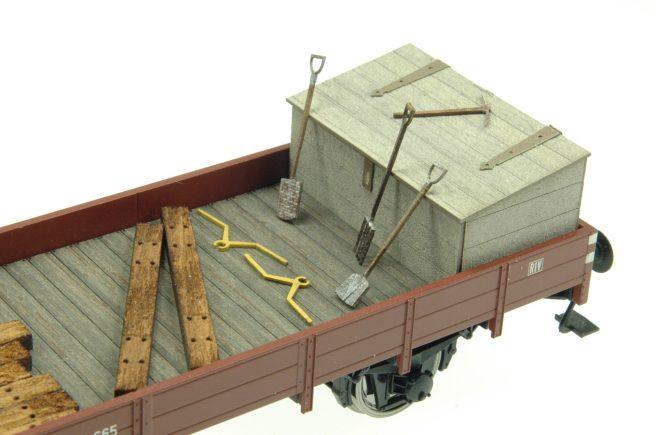 Baudienstwaggon-mit-werkzeugsatz-aus-kraftplex2