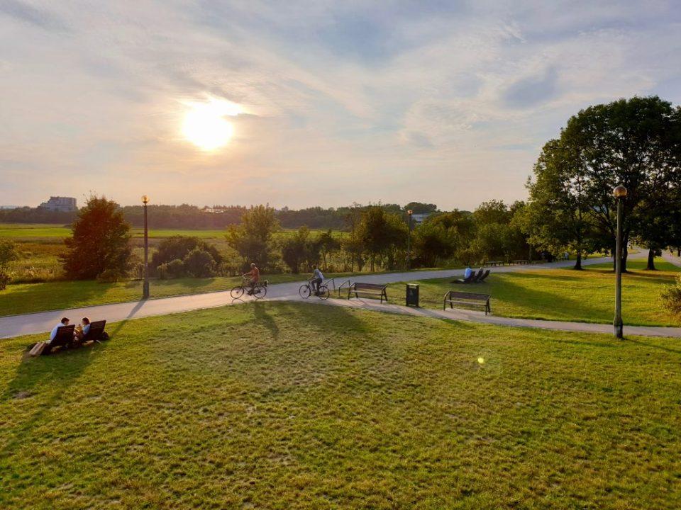 Łąki Nowohuckie Park Żeromskiego