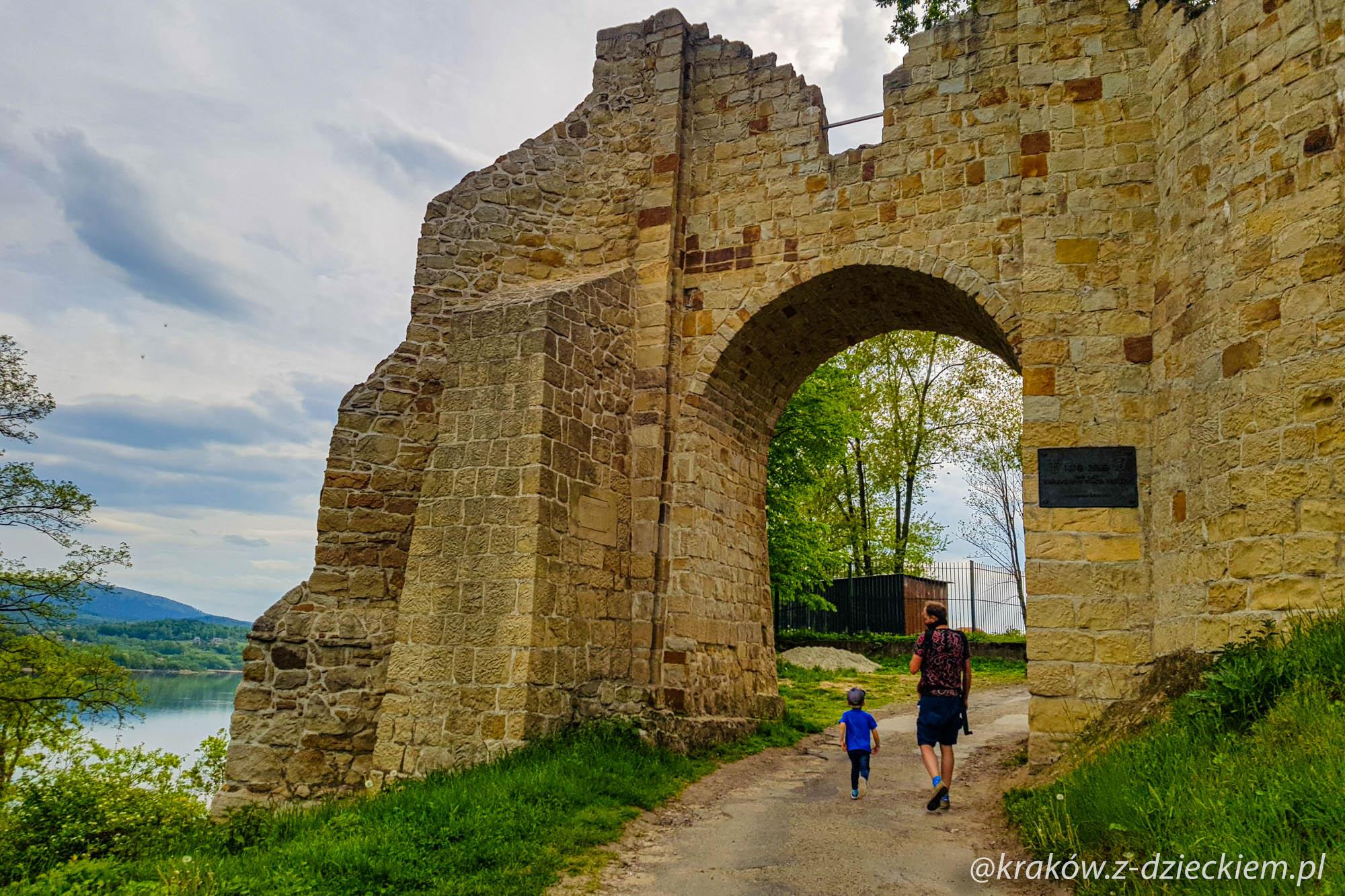 mury dobczyce