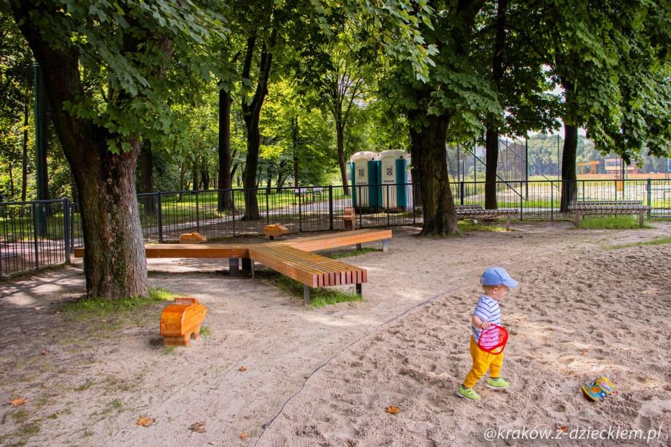 Plac zabaw nad zalewem nowohuckim