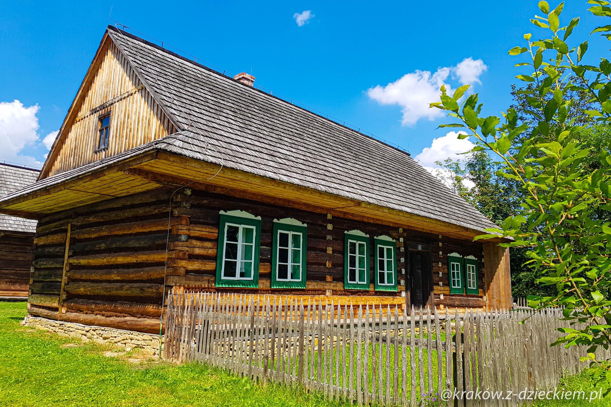 domy w Orawskim parku etnograficznym