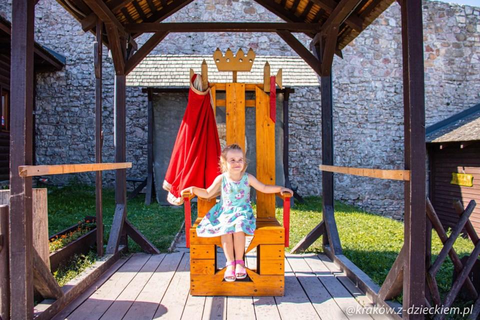 zamek królewski w Chęcinach, tron