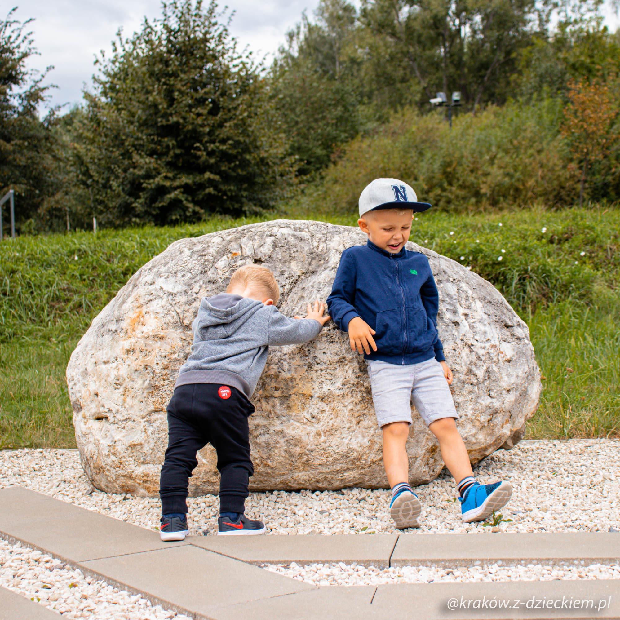 dzieci, skały