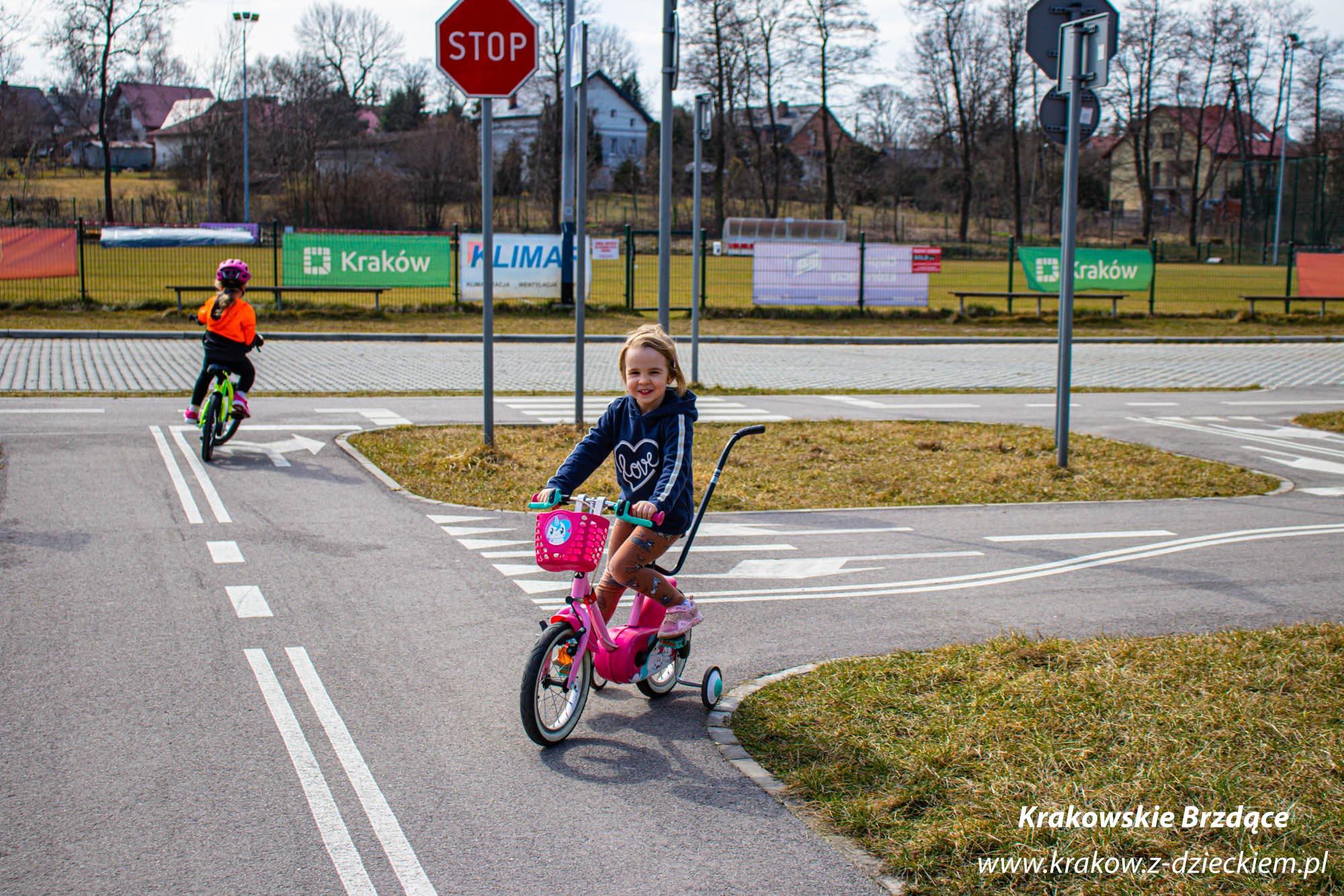 Swoszowice, dziecko na rowerku