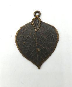 Metalen bedel blad 45x35mm brons