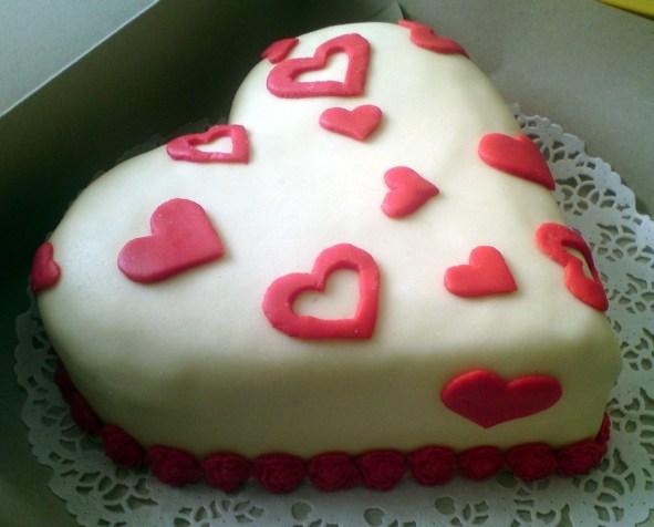 Narozeninový dort se srdíčky