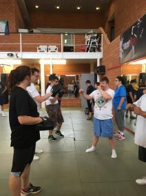 krav maga bruxelles cours pour le centre de vie de jette cours coups de poing groupe trois cours auto défense hoome femme