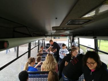 krav-maga-bruxelles-cours-dans-bus-30