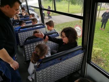 krav-maga-bruxelles-cours-dans-bus-5