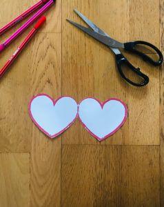 Activité manuelle coeur pour enfant