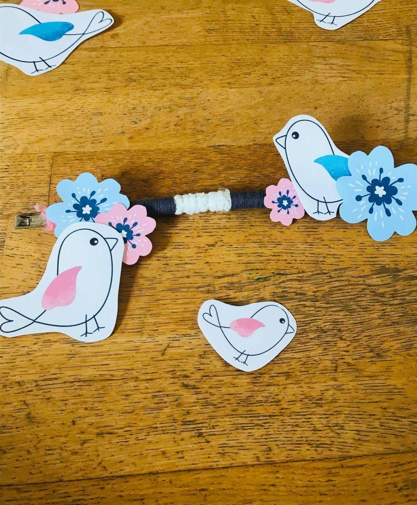 Bricolage du printemps pour enfant