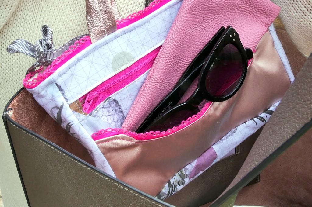 Taschen-Organizer Hedi mit vielen Steckfächern von Frau Fadenschein SM in ihrem neuen Buch 1 Frau 16 Handtaschen