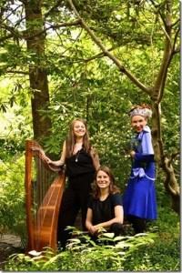 """Altmarkfestspiele 2019: """"Malu"""" mit ihrer sanften Stimme und das Duo L'OrO zeigen Urwaldgeschichten auf dem Kreativhof Kunrau."""