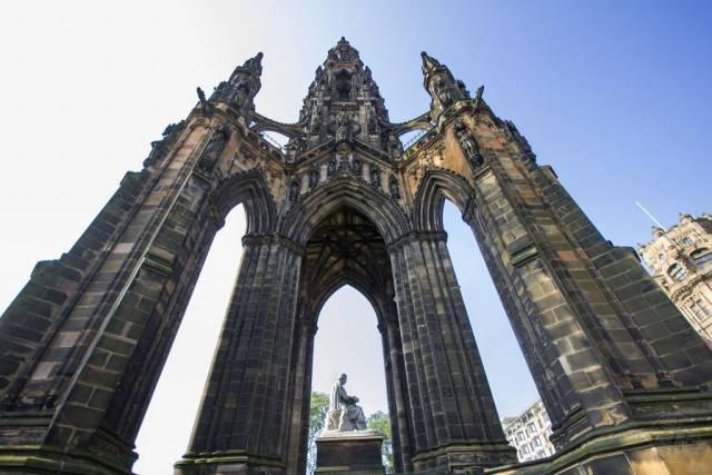 Schottland - Edinburgh - Scott Monument