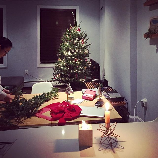 Decorating Flatbush Cottage with @scalisto #flatbushcottage #homedecoration #xmas