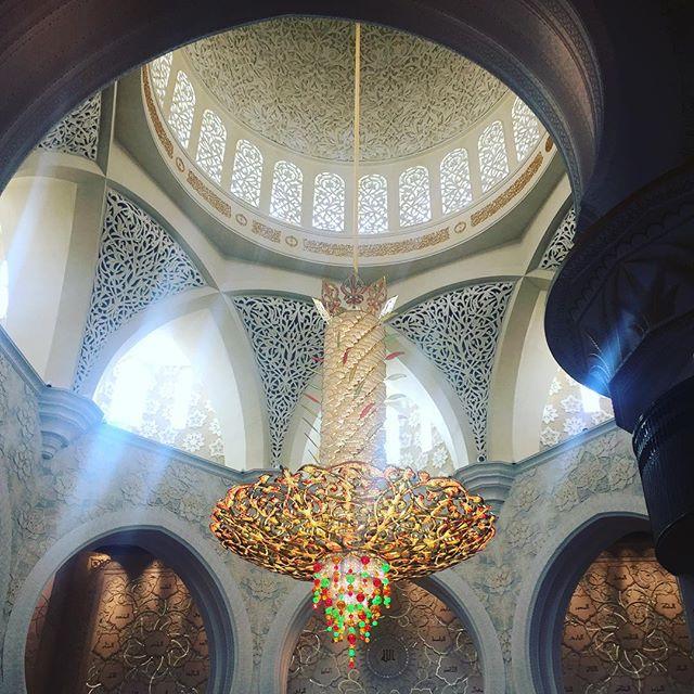 Impressive mosque #abudhabi #mosque