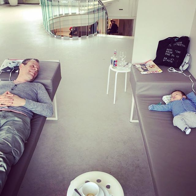 Chillaxing at documenta #fatherdaughter #art