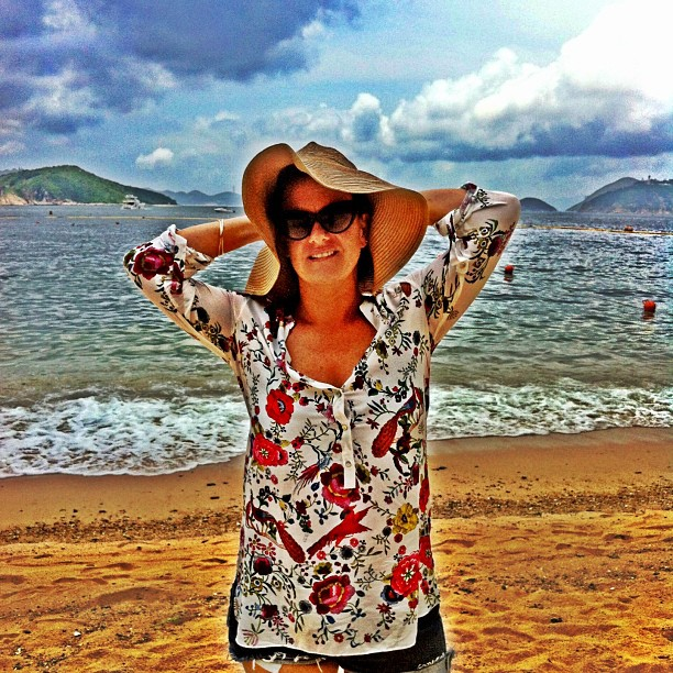My new floral Zara tunic is perfect for the beach!
