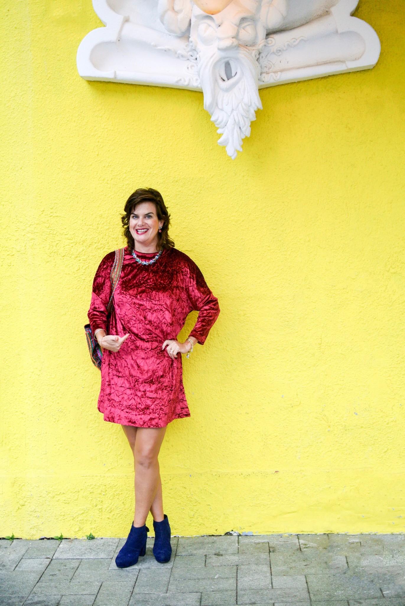 Serena season 6 yellow dress 80s fashion
