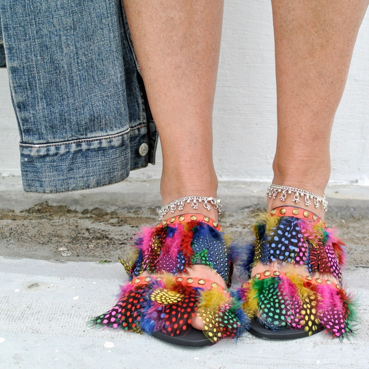 DIY: Colorful Feather Slides