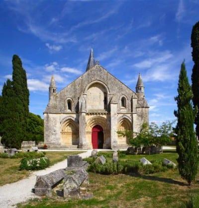 Church Saint-Pierre in Aulnay