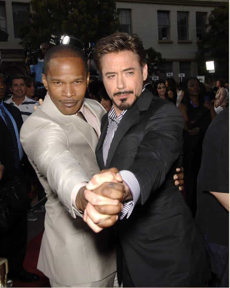 Jamie Foxx and Robert Downey Jr at 'The Soloist' Premiere, Paramount Theatre, Los Angeles, CA. Everett Collection