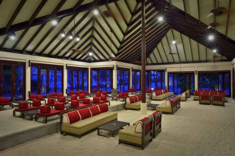 """Relax in the New """"Atmosphere"""" of the Maldives"""