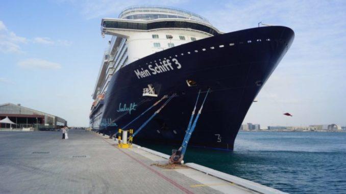Die Mein Schiff 3 an ihrem Liegeplatz in Abu Dhabi