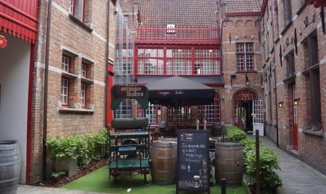 """Der Innenhof der Brauerei """"Burgogne des Flandres"""""""