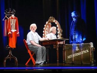 Bernhard Paul auf der Hologrammbühne der Mein Schiff 6. Foto: Franziska Krug/Getty Images for TUI Cruises