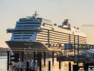 Die Mein Schiff 2 in Kiel