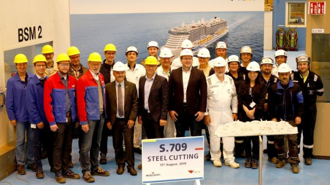 Heute fand der symbolische Brennstart des zweiten AIDA LNG-Kreuzfahrtschiffes statt. Foto: Meyer Werft / Michael Wessels