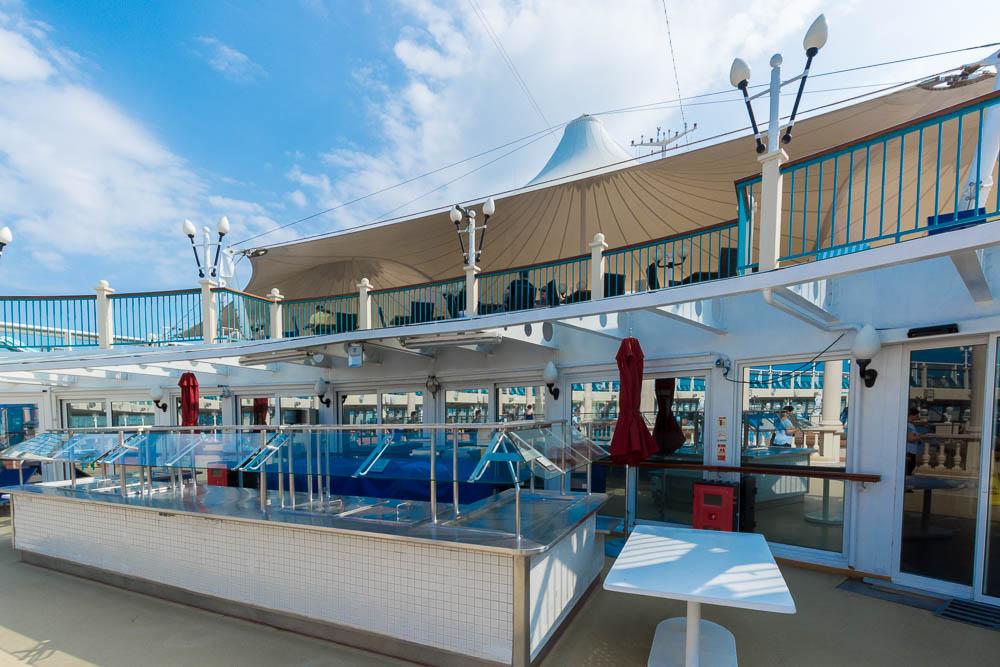 Poolbar der Norwegian Spirit
