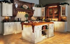 25 Enchanting Custom Kitchen Cabinets That Will Accommodate You