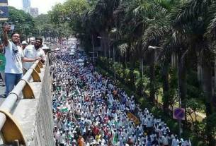 maharashtra-farmers-on-strike-warns-cities-to-stop-supply-of-milk-and-vegetables