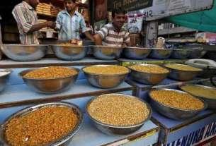 MON-ECN-POLI-retail-inflation-hits-new-low