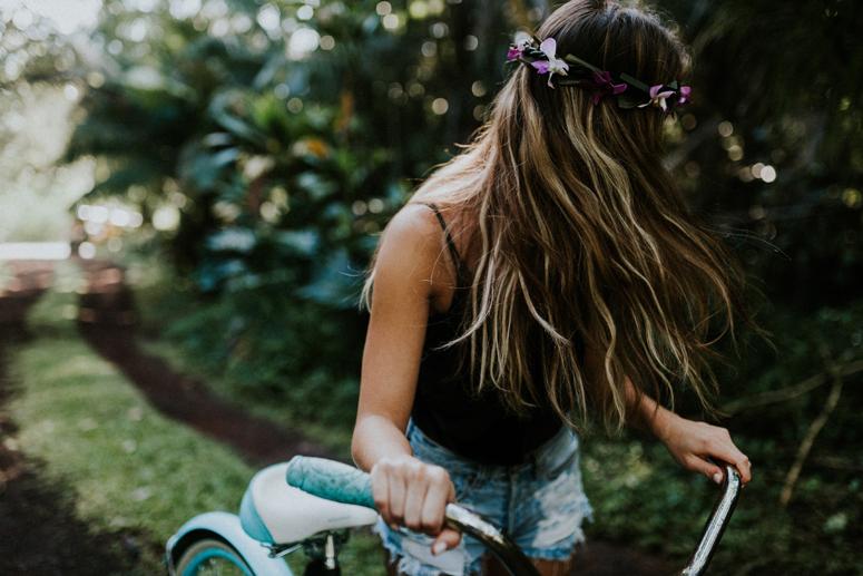 Hawaii girl surfing Brandy Melville