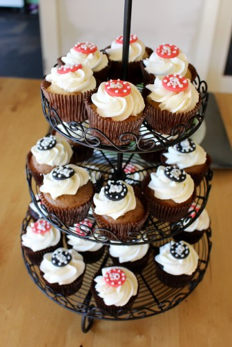 Cupcakes to feed the masses!
