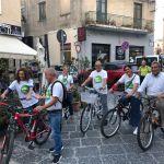 """Regionali 2021, partita in bicicletta la campagna elettorale dei candidati della lista """"Uniti con de Magistris""""."""