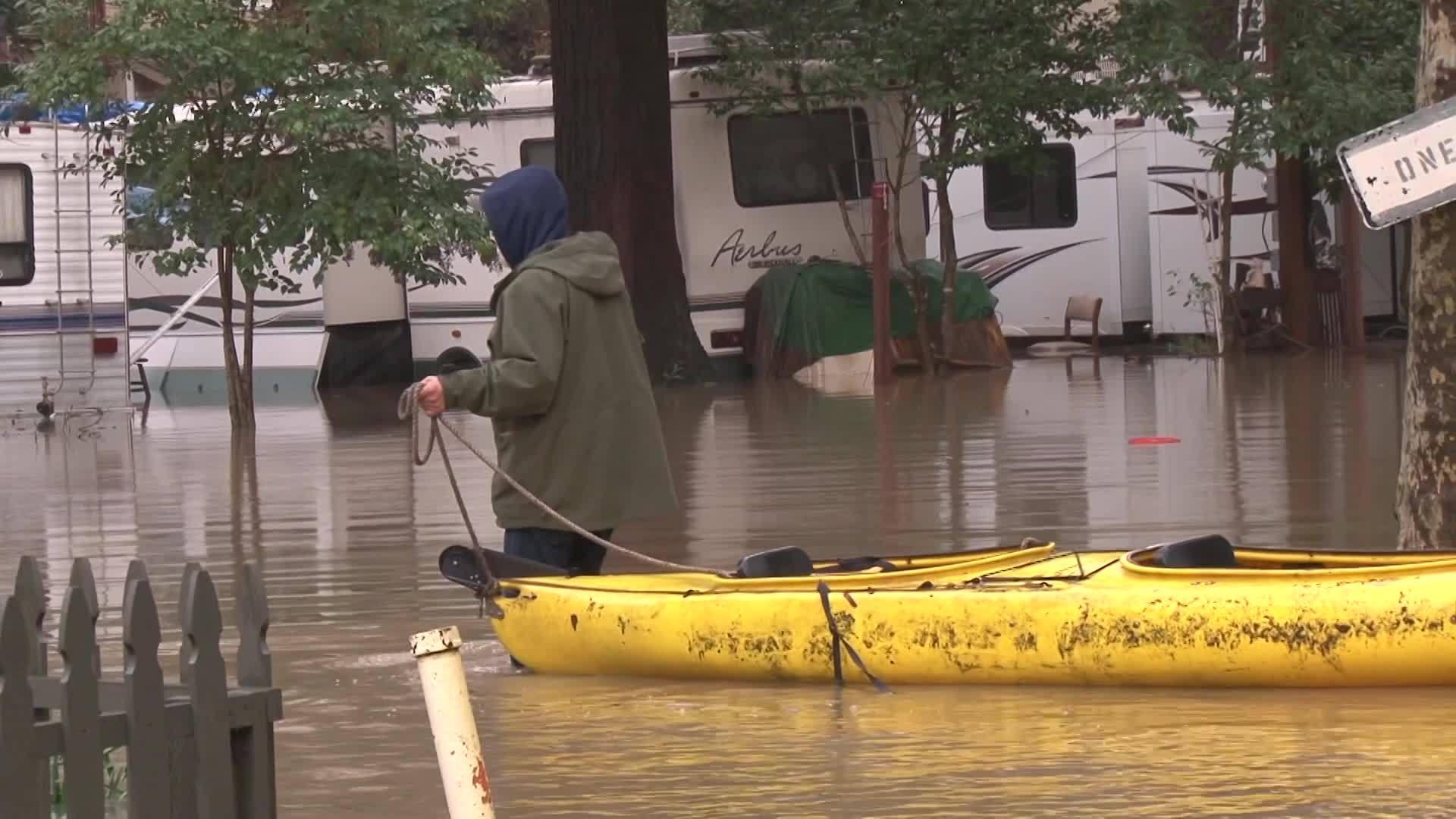 Russian_River_floods_part_of_Guerneville_3_20190214195818