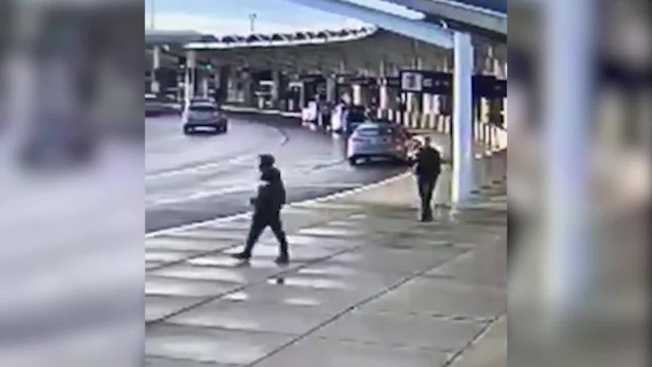Deputies: Man armed with knife at Oakland airport wanted to kill officer