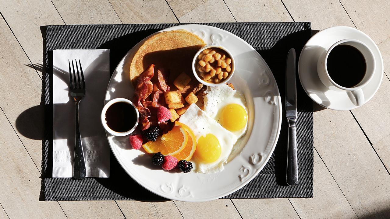 breakfast-brunch-food-fruit_1523392330561_359738_ver1_20180411054802-159532