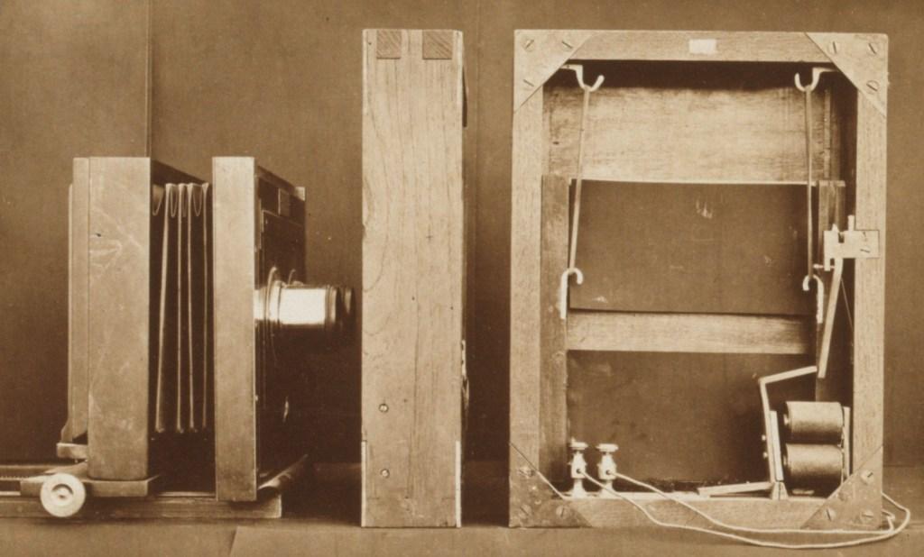 Eadweard Muybridge camera-1-2
