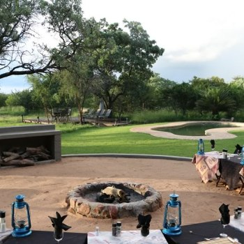 Jackalberry Lodge Boma Dining