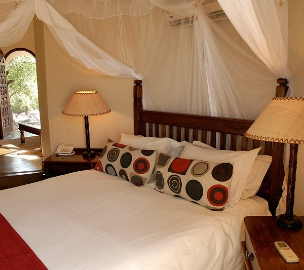 Manyatta Rock Camp Family Chalet Bedroom